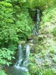 Солоники п. Мирный водопад в ущелье